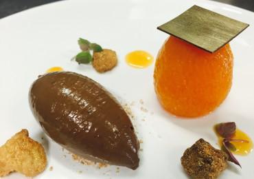 Abricot poché au miel et à la cardamone